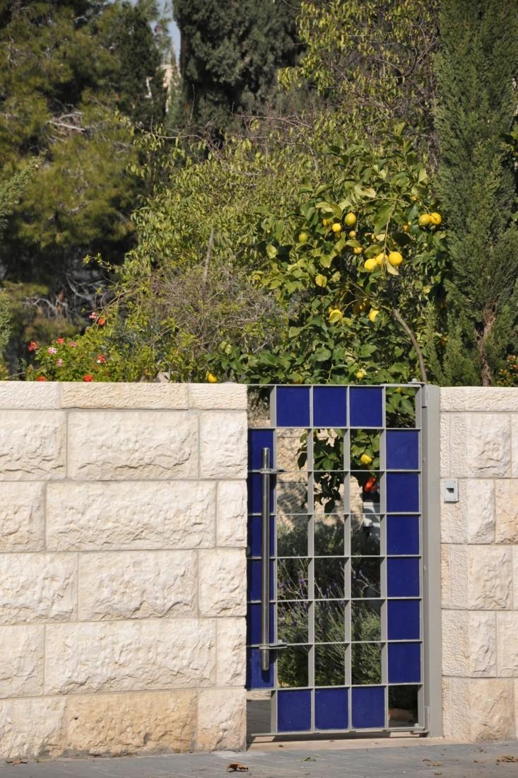 נחום מלצר יצחק אפריל אדריכלים מגורים ברחוב הרכבת ירושלים (6)