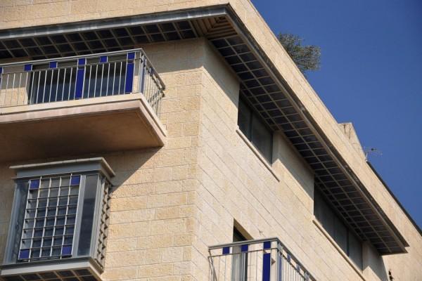 נחום מלצר יצחק אפריל אדריכלים מגורים ברחוב הרכבת ירושלים (7)