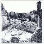 תצלום משנת 1967 – מבט מצפון כלפי דרום על הריסות בית הכנסת.