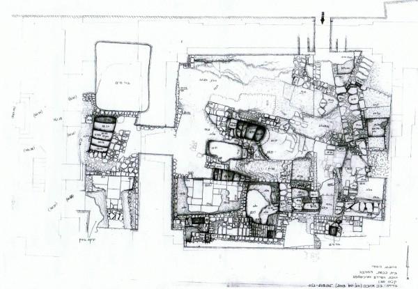 תכנית מדידה של השרידים הארכיאולוגים שנתגלו תחת רצפת בית הכנסת. מודד: דני ארובס. רשות העתיקות.